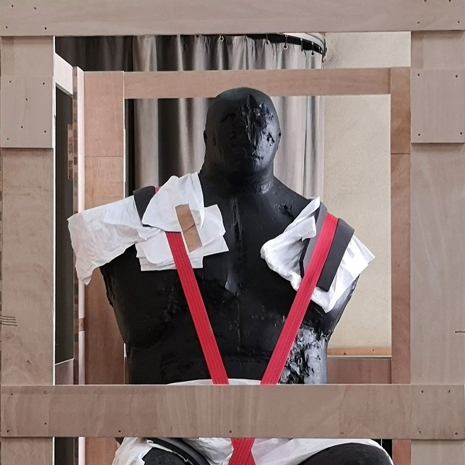 Registrars Deutschland verpackte Skulptur